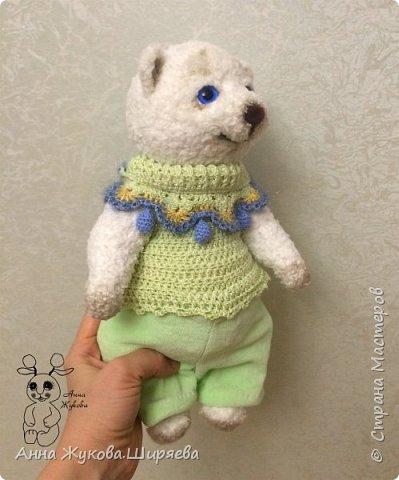 Большой белый медвежонок в беретике. фото 6