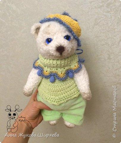 Большой белый медвежонок в беретике. фото 4