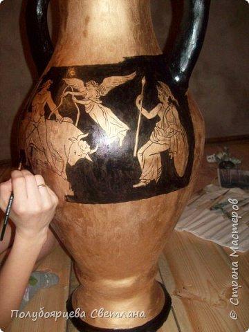 Перед тем как изготовить вазу, я долго думала из чего же мне сделать сосуд, напоминающий древнегреческую амфору, и, остановилась на варианте изготовления вазы из картона в технике папье-маше. Здесь, я пошагово расскажу как я это делала и что получилось в итоге. фото 12