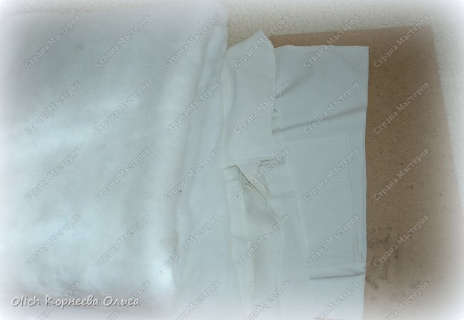 Здравствуйте, дорогие мастерицы!  Сегодня я хочу показать вам как я переделала старую кукольную кроватку. Вернее каркас кровати остался без изменений, но внешний вид совсем изменился. Конечно не у всех есть такие кроватки, которые требуют декора или реставрации, поэтому в своем мастер-классе я не даю никаких размеров. Но данным мастер-классом мне хотелось показать, что далеко не всегда следует выбрасывать старую отслужившую вещь. Можно постараться придать ей совсем другой образ или найти другое применение.  Смотрим что получилось. фото 7