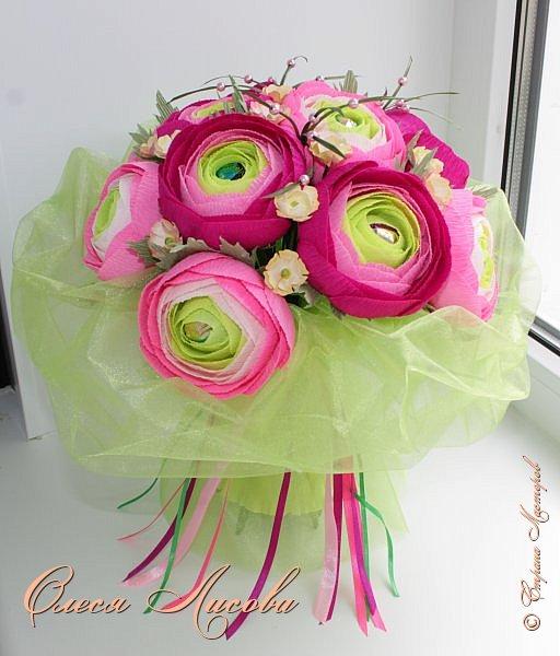 Рада видеть всех на своей страничке! Здравствуйте! Создался вот такой букет на день рождение коллеге и подруге. Ранункулюсы...лютики-цветочки. Красивые, яркие, необычные цветы...Очень понравилось их делать. Думаю, получилось! фото 2