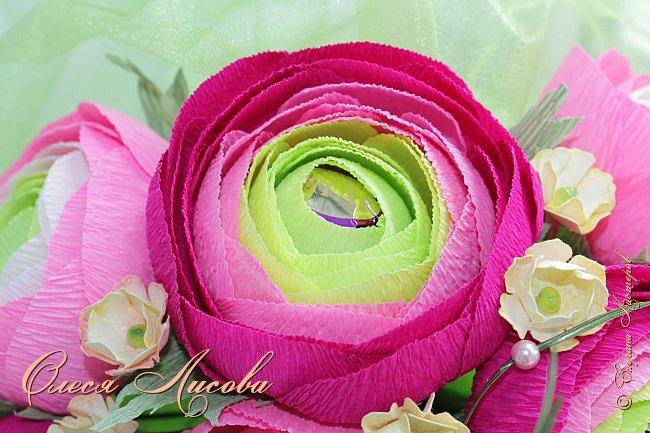 Рада видеть всех на своей страничке! Здравствуйте! Создался вот такой букет на день рождение коллеге и подруге. Ранункулюсы...лютики-цветочки. Красивые, яркие, необычные цветы...Очень понравилось их делать. Думаю, получилось! фото 3