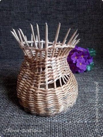 Давно хотела что-нибудь этакое сплести :). Мятая ваза, которую первый зритель обозвал сапожком. Я против!! фото 2