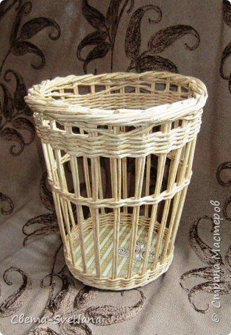 Давно хотела что-нибудь этакое сплести :). Мятая ваза, которую первый зритель обозвал сапожком. Я против!! фото 14