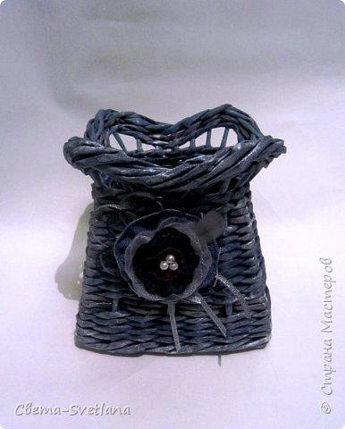 Давно хотела что-нибудь этакое сплести :). Мятая ваза, которую первый зритель обозвал сапожком. Я против!! фото 10