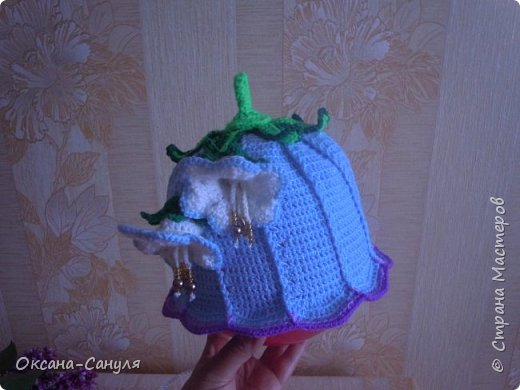 Шляпок такого типа я не вязала.Это первый учебный вариант.Самая большая проблема- у меня- пришить всю эту красоту на шляпку.Нитки остались от предыдущего заказа--решила сделать подарок для девочки.Вот что получилось. фото 5
