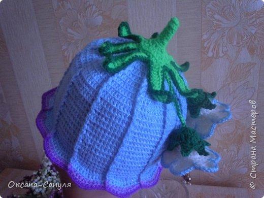 Шляпок такого типа я не вязала.Это первый учебный вариант.Самая большая проблема- у меня- пришить всю эту красоту на шляпку.Нитки остались от предыдущего заказа--решила сделать подарок для девочки.Вот что получилось. фото 1