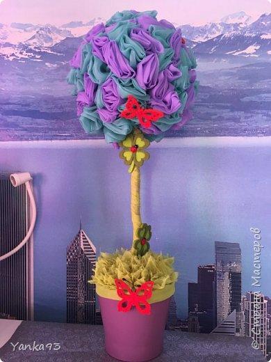 Первый из вуали декорирован бабочками и цветочками фото 1