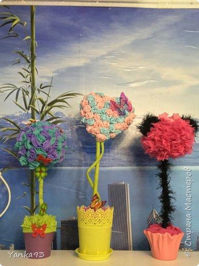 Первый из вуали декорирован бабочками и цветочками фото 4