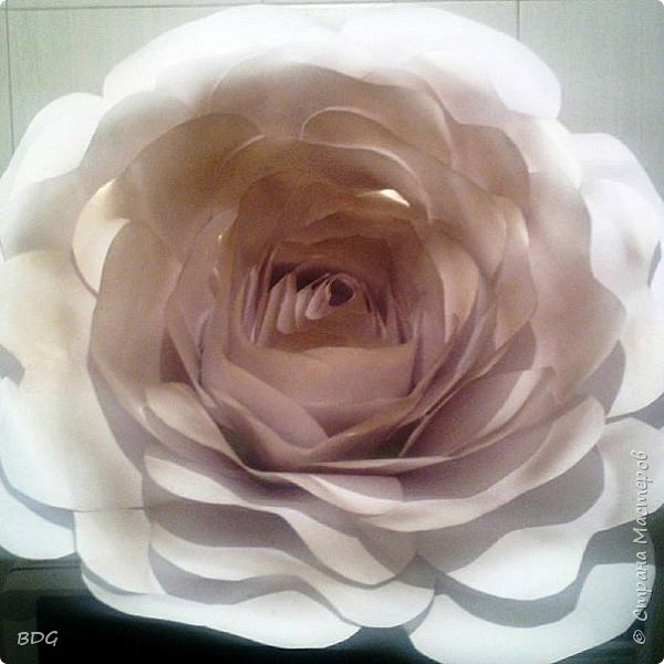 Сделала несколько цветочков для фотосессии фото 9