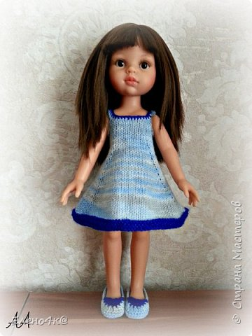 """Совсем недавно (в марте) я узнала о куклах от испанской фирмы Paola Reina, которые """"приятно пахнут ванилью"""", имеют рост 32 см и очень реалистично выглядят. По поводу приятности запаха: я бы поспорила с этим утверждением, но на вкус и цвет, как говорят...  В общем, сначала я отнеслась к этим девочкам очень спокойно и даже равнодушно. Но потом что-то заклинило в моем мозгу и у появилась навящивая мысль: """"Я ее хочу!""""  В итоге, после недельных ожиданий ко мне приехала она - Carol.  Дома назвала я ее Аленушкой. Честно сказать, напомнила эта куколка мне меня же саму в детстве)))  И, собственно, покорила меня своими огромными глазками, пухлыми щечками и густющей шевелюрой. фото 7"""