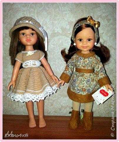 """Совсем недавно (в марте) я узнала о куклах от испанской фирмы Paola Reina, которые """"приятно пахнут ванилью"""", имеют рост 32 см и очень реалистично выглядят. По поводу приятности запаха: я бы поспорила с этим утверждением, но на вкус и цвет, как говорят...  В общем, сначала я отнеслась к этим девочкам очень спокойно и даже равнодушно. Но потом что-то заклинило в моем мозгу и у появилась навящивая мысль: """"Я ее хочу!""""  В итоге, после недельных ожиданий ко мне приехала она - Carol.  Дома назвала я ее Аленушкой. Честно сказать, напомнила эта куколка мне меня же саму в детстве)))  И, собственно, покорила меня своими огромными глазками, пухлыми щечками и густющей шевелюрой. фото 4"""