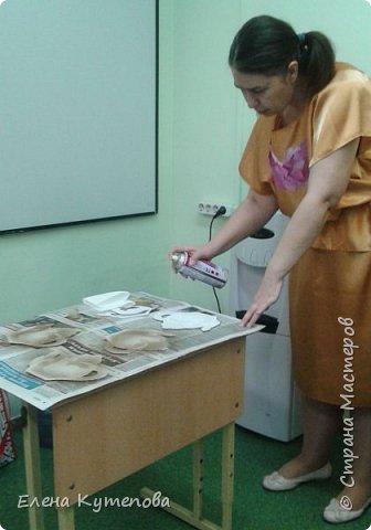 Сегодня у меня было последнее в этом учебном году творческое занятие по русским народным промыслам. Я знакомила детей с дулевским фарфором, показала небольшую презентацию об истории завода, рассказала о процессе производства. фото 3
