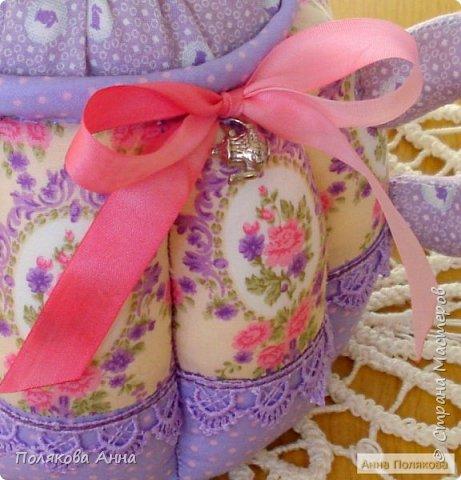 Уютный текстильный чайник станет замечательным подарком, послужит шкатулочкой для чайных пакетов, конфеток, бижутерии или других мелочей, а также может быть необычной упаковкой для небольшого подарка. фото 5