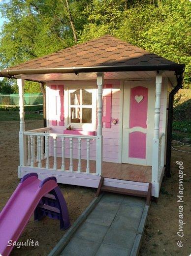 Вот такой домик построили дочке на даче фото 1