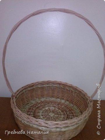 Корзинка для подарка из ивовых прутиков фото 1