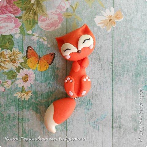 Лисичка из полимерной глины с болтающимся хвостиком))))))))) Вдохновлялась лисичками автора @evrizclay (ник в инстаграм) фото 1