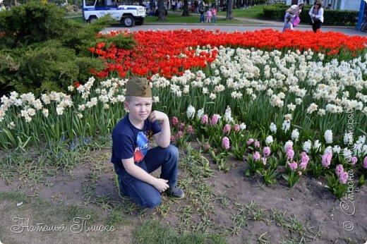 Ещё раз здравствуйте, дорогие друзья!!! В продолжение предыдущего репортажа (https://stranamasterov.ru/node/1028276) хочу рассказать вам, как мы провели День Победы в Москве. Масштабные мероприятия в этот день проходили, конечно же, по всему городу, но так как мы жили в районе ВДНХ, туда и отправились с самого утра. P.S. Картинка с сайта w-dog.ru (https://w-dog.ru/wallpaper/wot-world-of-tanks-mir-tankov-wargamingnet-bigworld-tanki-tank-tanks-tank-9-maya-den-pobedy-prazdnik-t-34-85/id/284415/). фото 9