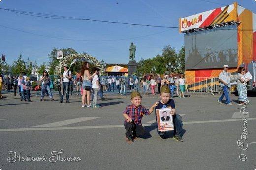 Ещё раз здравствуйте, дорогие друзья!!! В продолжение предыдущего репортажа (https://stranamasterov.ru/node/1028276) хочу рассказать вам, как мы провели День Победы в Москве. Масштабные мероприятия в этот день проходили, конечно же, по всему городу, но так как мы жили в районе ВДНХ, туда и отправились с самого утра. P.S. Картинка с сайта w-dog.ru (https://w-dog.ru/wallpaper/wot-world-of-tanks-mir-tankov-wargamingnet-bigworld-tanki-tank-tanks-tank-9-maya-den-pobedy-prazdnik-t-34-85/id/284415/). фото 20