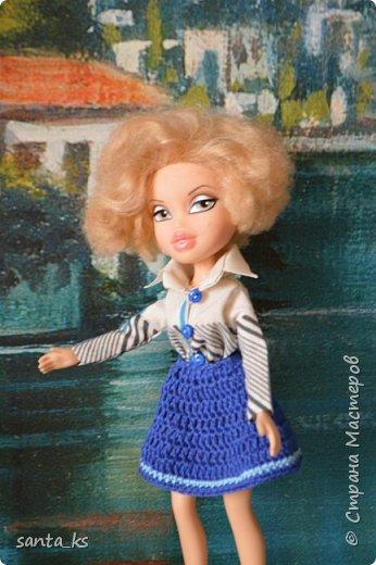 """Здравствуйте мастера и мастерицы! Знакомитесь это наша Сью. Вот решила показать вам небольшую часть ее нарядов. На ней вязанный костюмчик """" Зефирка"""". Кофточка с рукавами фонарик, топик и юбочка. фото 3"""