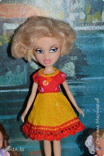 """Здравствуйте мастера и мастерицы! Знакомитесь это наша Сью. Вот решила показать вам небольшую часть ее нарядов. На ней вязанный костюмчик """" Зефирка"""". Кофточка с рукавами фонарик, топик и юбочка. фото 7"""