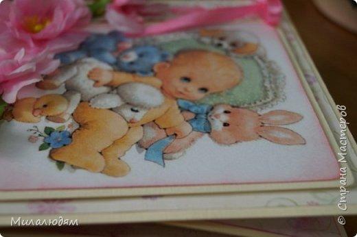 Всем здравствуйте! Продолжаю выкладывать апрельские работы. Две открытки на рождения малышей. У нас в коллективе бум на малышей, кто сам рожает, у кого внуки рождаются. фото 7