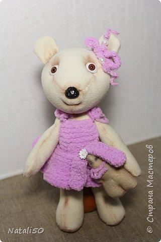 Доброго все вечера!!! Выходные закончились...погода совсем не весенне-летняя..холодно,дожди.. самое время для рукоделия.вот хочу показать вам двух медвежат.. Для девочки Машутки платье связала.. фото 1