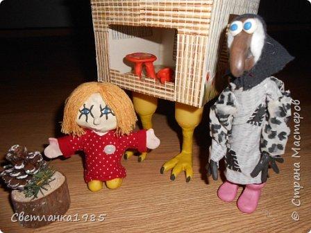 Избушка, баба-яга и домовенок Кузя. Мастерили вместе с сыном. фото 2