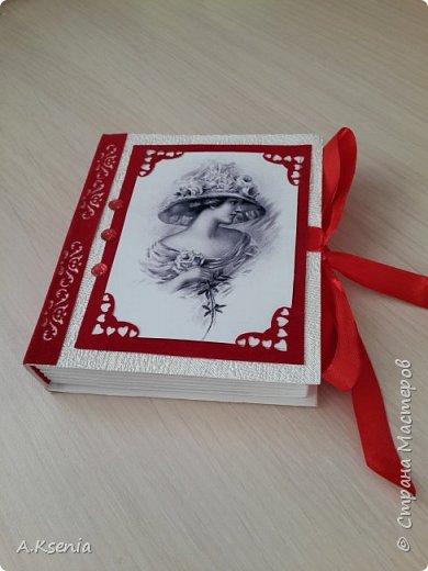Вот такая коробочка-книжка в женском варианте у меня получилась на днях. фото 2