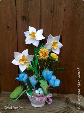 Весна на исходе, а я к вам со своими запоздалыми работами. Фотограф из меня никудышный, ну уж как получилось:-)   Вот такая поставка для пасхальных яиц, повторюшка идеи http://stranamasterov.ru/node/580950. фото 10