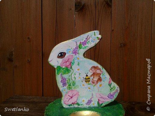 Весна на исходе, а я к вам со своими запоздалыми работами. Фотограф из меня никудышный, ну уж как получилось:-)   Вот такая поставка для пасхальных яиц, повторюшка идеи http://stranamasterov.ru/node/580950. фото 3