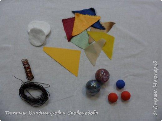 Мастер - класс «Изготовление космонавта из тканевых дисков» (Композиция «Тропой Гагарина») фото 2