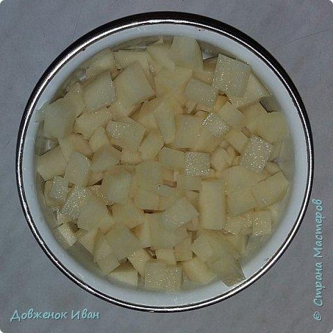 Доброго времени суток жители Страны Мастеров. Предлагаю , Вам на обед приготовить Крестьянский суп .  Для этого нам потребуется : 1) Морковь 2) Картофель 3)Капуста 4) Лук репчатый  5) Вода 6) Соль 7) Зелень ( по вашему усмотрению )  8) Рис  9) Растительное масло  10) Томатное пюре или томатная паста, можно свежие томаты   фото 4