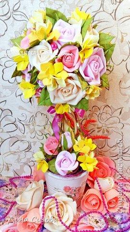 Топиарий. Все цветы ручной работы из фоамирана. фото 2
