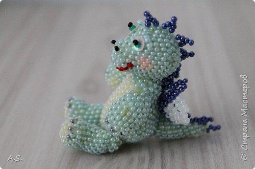 Сплёлся у меня дракончик для сына. По мастер классу от замечательной мастерицы Бригантины http://stranamasterov.ru/node/268451?c=favorite  фото 2