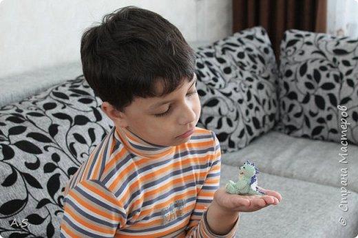 Сплёлся у меня дракончик для сына. По мастер классу от замечательной мастерицы Бригантины http://stranamasterov.ru/node/268451?c=favorite  фото 9