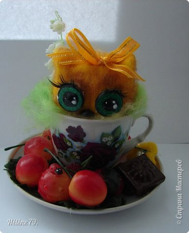 Здравствуйте, дорогие соседи!!! Сегодня хотела бы поделиться с ВАМИ своими поделочками с использованием ненужной посуды.   Цыплёнок в кружке.   фото 5