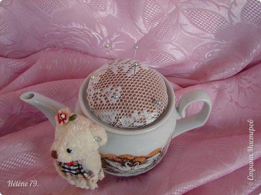 Здравствуйте, дорогие соседи!!! Сегодня хотела бы поделиться с ВАМИ своими поделочками с использованием ненужной посуды.   Цыплёнок в кружке.   фото 22