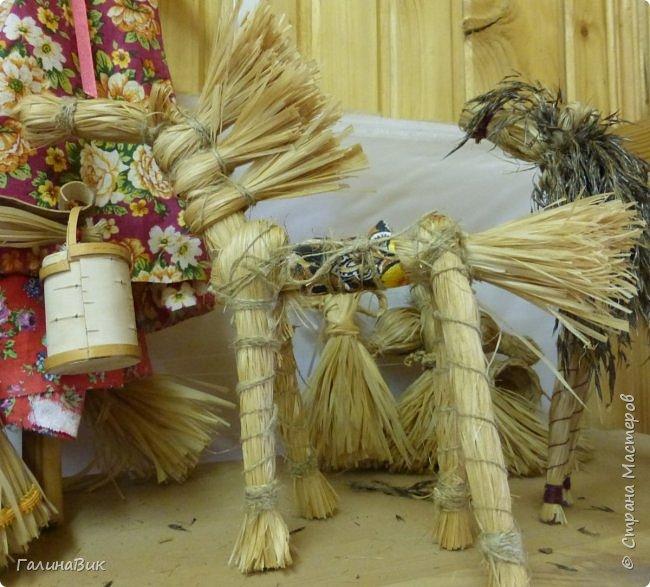 У наших предков было огромное разнообразие игр и игрушек: деревянные, глиняные, тряпичные, лычные, берестяные игрушки служили зачастую и как помощники в делах и жизни. Музей, расположенный в Измайловском Кремле, представляет разные виды народного творчества и наследия. В нем объединены подлинные предметы и творения народных мастеров: старинные народные музыкальные инструменты, предметы быта и утвари, народная одежда, собрание игр и игрушек, уголок народного театра. фото 15