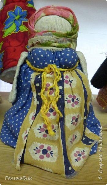 У наших предков было огромное разнообразие игр и игрушек: деревянные, глиняные, тряпичные, лычные, берестяные игрушки служили зачастую и как помощники в делах и жизни. Музей, расположенный в Измайловском Кремле, представляет разные виды народного творчества и наследия. В нем объединены подлинные предметы и творения народных мастеров: старинные народные музыкальные инструменты, предметы быта и утвари, народная одежда, собрание игр и игрушек, уголок народного театра. фото 12