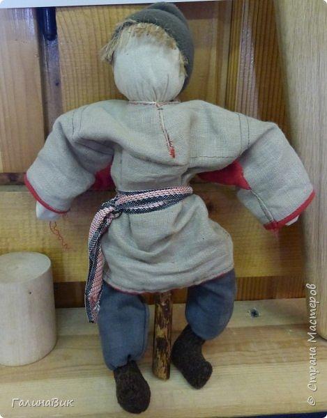 У наших предков было огромное разнообразие игр и игрушек: деревянные, глиняные, тряпичные, лычные, берестяные игрушки служили зачастую и как помощники в делах и жизни. Музей, расположенный в Измайловском Кремле, представляет разные виды народного творчества и наследия. В нем объединены подлинные предметы и творения народных мастеров: старинные народные музыкальные инструменты, предметы быта и утвари, народная одежда, собрание игр и игрушек, уголок народного театра. фото 4