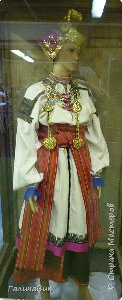 У наших предков было огромное разнообразие игр и игрушек: деревянные, глиняные, тряпичные, лычные, берестяные игрушки служили зачастую и как помощники в делах и жизни. Музей, расположенный в Измайловском Кремле, представляет разные виды народного творчества и наследия. В нем объединены подлинные предметы и творения народных мастеров: старинные народные музыкальные инструменты, предметы быта и утвари, народная одежда, собрание игр и игрушек, уголок народного театра. фото 32