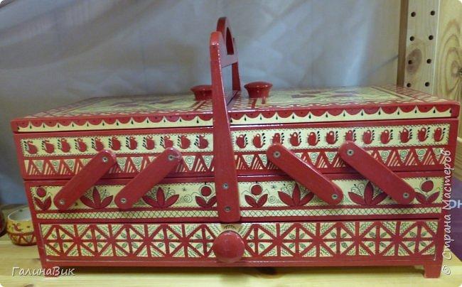 У наших предков было огромное разнообразие игр и игрушек: деревянные, глиняные, тряпичные, лычные, берестяные игрушки служили зачастую и как помощники в делах и жизни. Музей, расположенный в Измайловском Кремле, представляет разные виды народного творчества и наследия. В нем объединены подлинные предметы и творения народных мастеров: старинные народные музыкальные инструменты, предметы быта и утвари, народная одежда, собрание игр и игрушек, уголок народного театра. фото 52