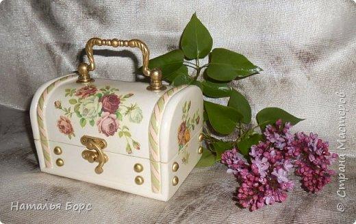 Всем БОЛЬШОЙ ПРИВЕТ !!!   Сегодня продемонстрирую вам своё последнее этой весной произведение - сундучок для драгоценностей, сделанный в подарок для молодой женщины. фото 3