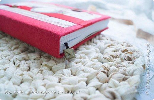 Как же сложно было в этот раз делать работу...не потому что разучилась, а потому что еле нашла бумагу с изображением ягод в своих закромах:) НО, кто ищет, тот всегда найдёт:) Нашла лист скрапбумаги от Scrapberrys с птичками, листочками, цветочками и ягодками + бумажку от Fleur Designc c вишенками!!!! Ура!!! Они дождались своего часа:) фото 5