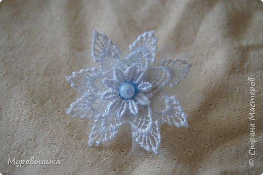 Хочу поучаствовать в конфетке http://stranamasterov.ru/node/1020991?c=favorite Сделала я цветочки по МК КсюИв http://stranamasterov.ru/user/81108 Это резинка для волос фото 1