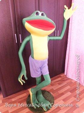 1июня в г.Дмитрове,где я живу,открывается музей лягушки! Вот такой красавчик будет жить в этом музее!Его рост 160см. фото 2