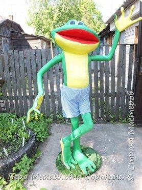 1июня в г.Дмитрове,где я живу,открывается музей лягушки! Вот такой красавчик будет жить в этом музее!Его рост 160см. фото 1