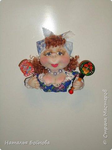 Магнит на холодильник - текстильная кукла фото 3