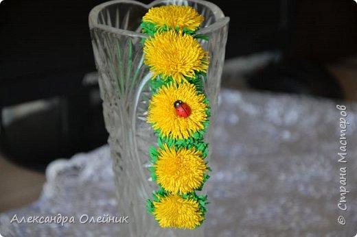 Здравствуйте уважаемые рукодельницы и гости моего блога! Заглянула я в магазин рукоделия и увидела там чудесные цветы из фоамирана и решила сотворить что нибудь подобное, а на сколько у меня это получилось решать вам! Ободочек из одуванчиков делала впервые.  фото 3